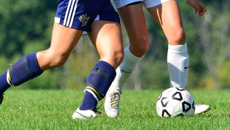 soccer players' knees